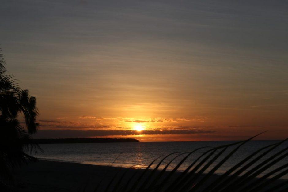 sunset-mouli-ouvea-caledonie