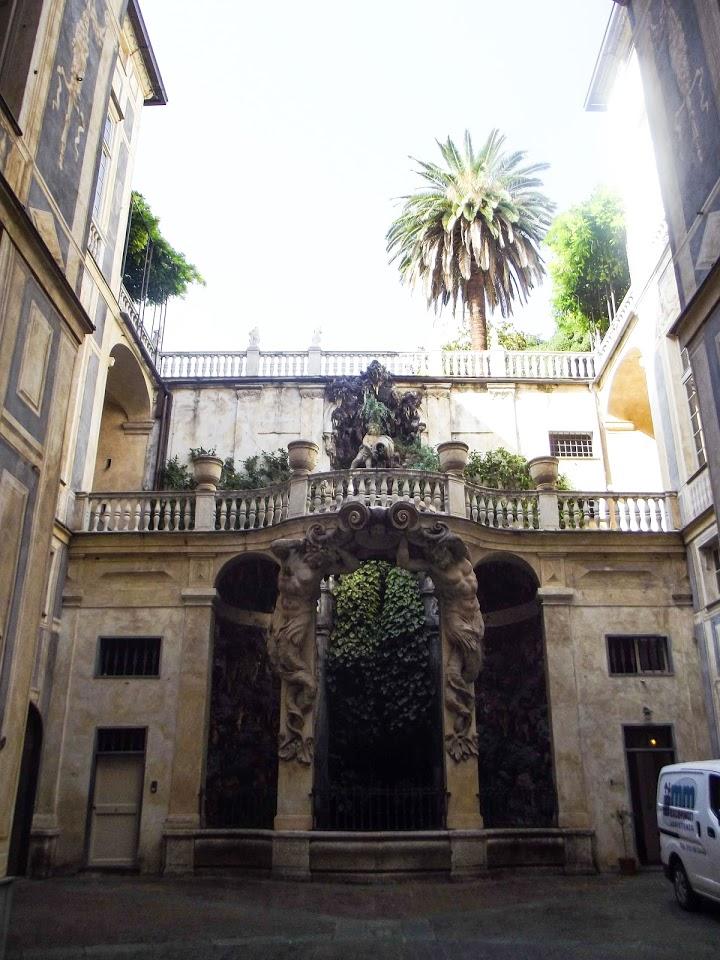 Unutrašnje dvorište palate Palazzo Podestà, Đenova