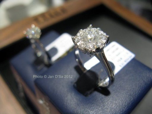 Comparing the Mirage ring (right) with the solitaire diamond ring (left)