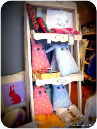 Stuffed toys (handcrafted) are growing on me, thanks to the trend of stuffed toys seen in Dubai handcraft markets.