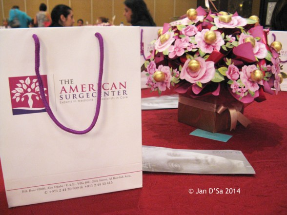 Pretty posies (filled with chocolates) greeted the luncheon table. © Jan D'Sa