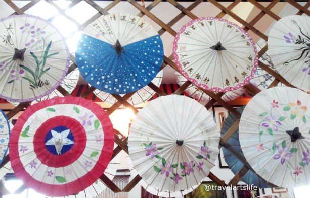 These are the smallest sized umbrellas. The umbrellas hold a special 'family' significance to the Hakka culture.