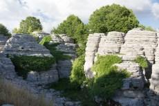 Okoliczne skałki - mnóstwo tu takich :)