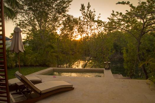 Rosewood Mayakoba con los niños - El sol que sube sobre nuestra piscina privada de inmersión
