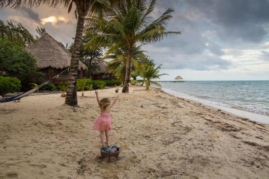 Belice con los niños - Beach bocce en el Turtle Inn