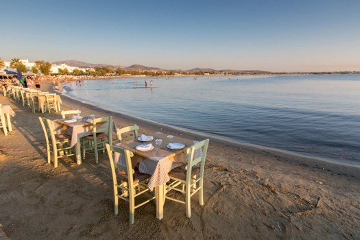 Grecia con los niños: Nissaki Beach Restaurant on St. George Beach