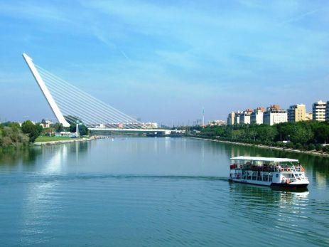 Guadalquivir şi Puente Alamillo