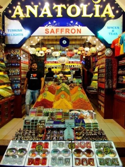 În Bazarul de Mirodenii