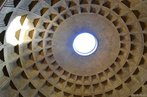 Cupola deschisă a Pantheonului