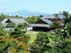 Curtea palatului Nijo
