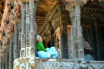 Meditând la templu