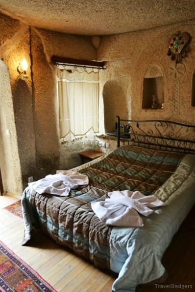 Camera din grotă