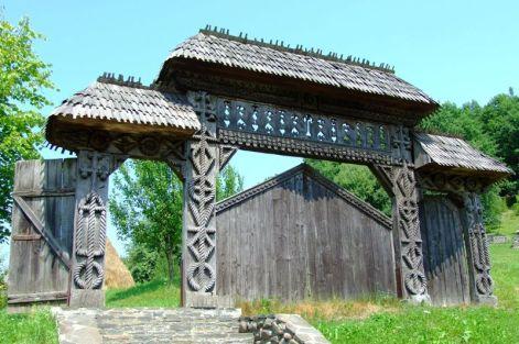 Poarta din lemn, simbolul Maramureșului