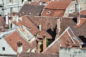 Din Turnul Negru pot fi admirate acoperişurile oraşului vechi