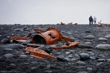 Ceva e putred în Islanda ...