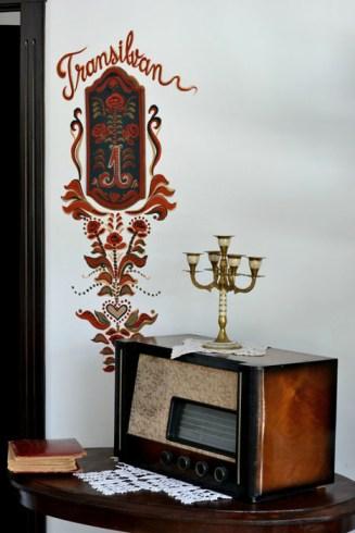Intrarea în apartamentul transilvan