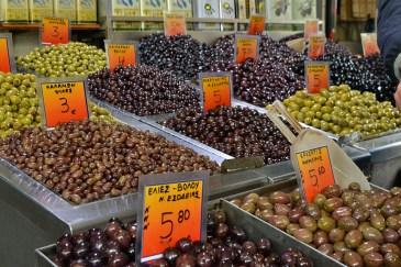 Ești în Grecia ... mănânci măsline!