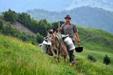 Ciobanul Gheorghe de la Golcin. Foto: Transylvania Guide Sibiu