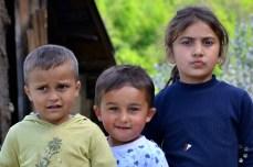 Copiii din satul Prislop