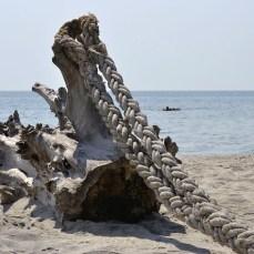 Relaxare la malul mării, pe plaja de la Vadu