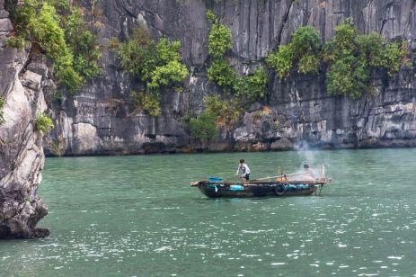 Pescari în Halong Bay