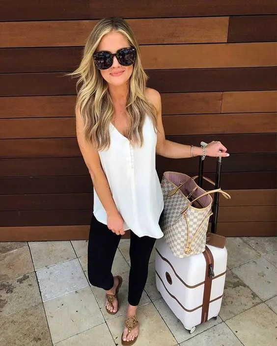 The Best Outfits For Travelling In Style And Comfort | Airport Outfits | Travelling Outfits | Comfortable Airport Outfits | Travel Beauty Blog
