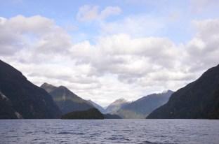 Sailing into Doubtful Sound