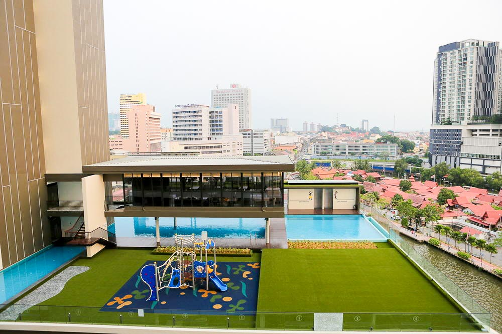 the-pines-melaka-hotel-pool-2