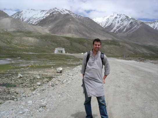 Getting high in Pakistan - at the border with China at the Khunjerab Pass - 4300m