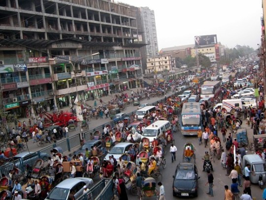 Chaotic roads in Dhaka