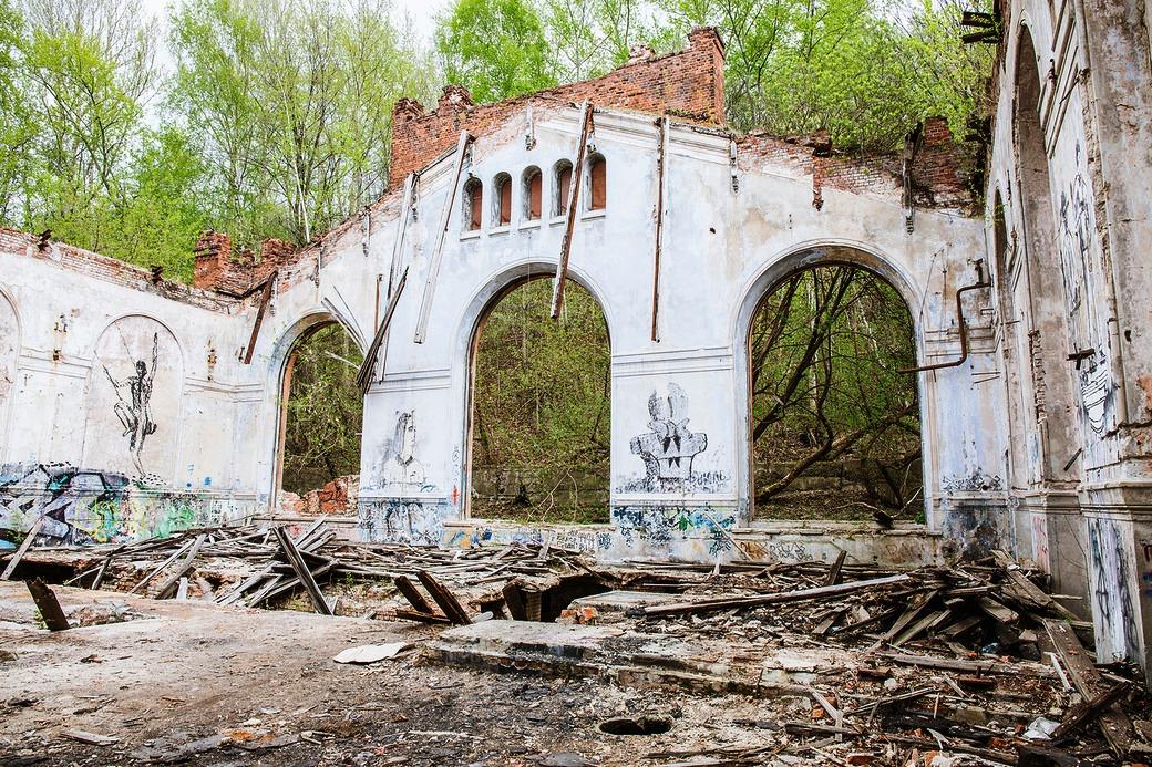 Куйбышевская водокачка - мистические руины на берегу Оки