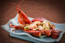 珍味館 - Sauteed Lobster with Ginger and Scallions