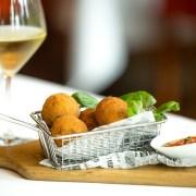碧濤意國漁鄉推出9月期間限定的「西西里菜」