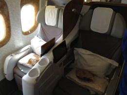 Business Class Emirates Boeing 777-300ER