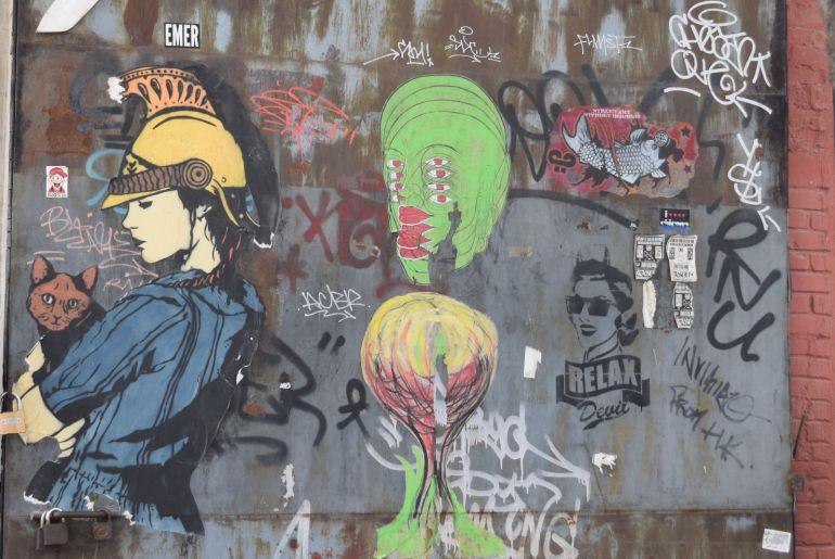 ציורי גרפיטי מקשטים את קירות המפעלים הישנים (צילום: טל ניצן)