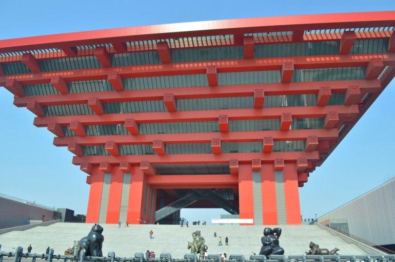 הפביליון של האקספו. מסמל את יכולותיה האדרכליות של סין לצד חיבורה להיסטוריה (צילום: נוגה פייגה)