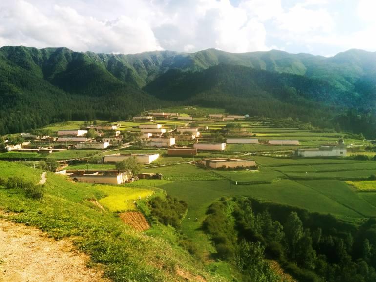 פארק קאנבולה - כפרים טיבטיים בלב השמורה (צילום: גיא להב)