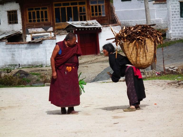 תושבים טיבטים בלאנגמוסה (צילום: טל דרניצקי)