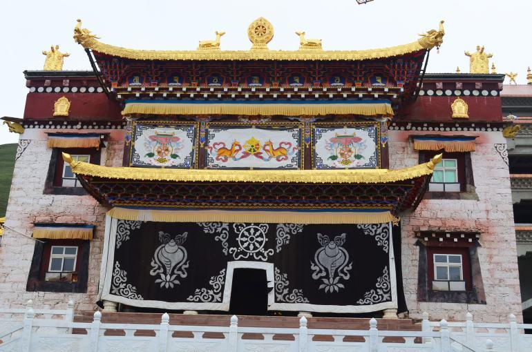 מתחם המקדשים החדש. כבר ניתן להנות ממרבית המבנים (צילום: נוגה פייגה)