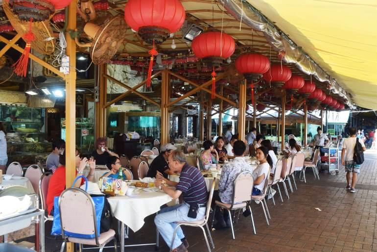 מסעדות לאורך המזח (צילום: טל ניצן)
