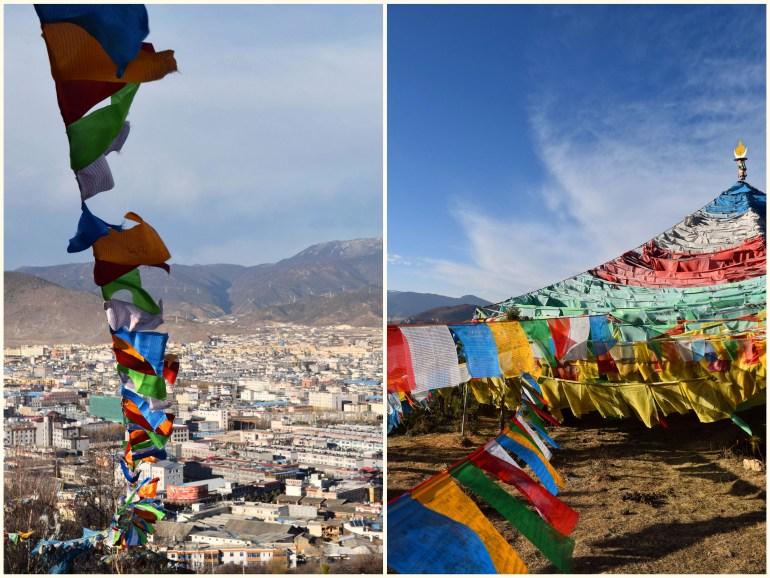 מקדש מאה התרנגולות. דגלי תפילה טיבטיים ותצפית על העיר (צילום: טל ניצן)