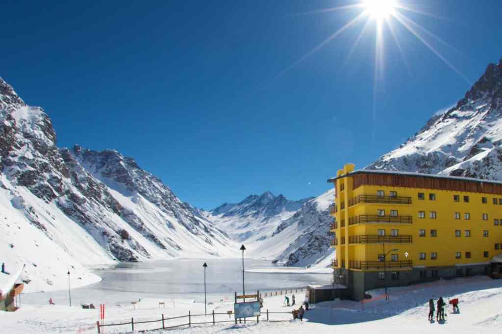 Portillo et la Laguna del Inca, station de ski proche Santiago Chili