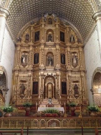 Capilla de la Virgen del Rosario inside Santo Domingo