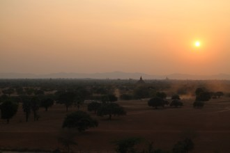 Sunset at Pyathada Paya