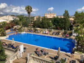 Hotel Bahia de Alcudia pool