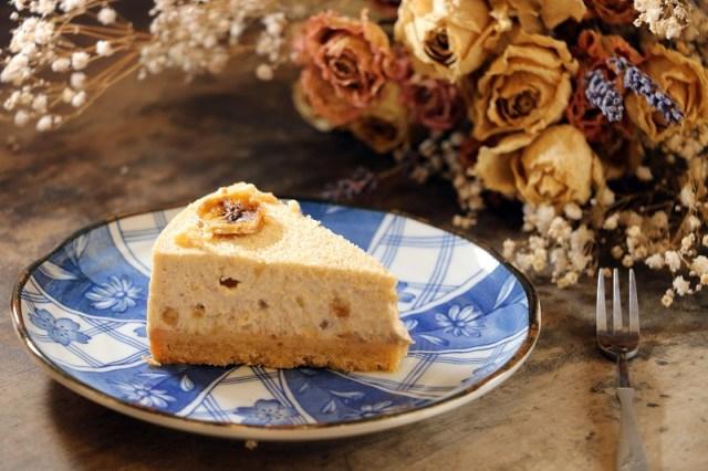 07_麵包屑手作屋_「香蕉乳酪蛋糕」,來自南投中寮的天皇蕉與中乳酪蛋糕完美結合,每一口都能嚐到豐富的香蕉風味。