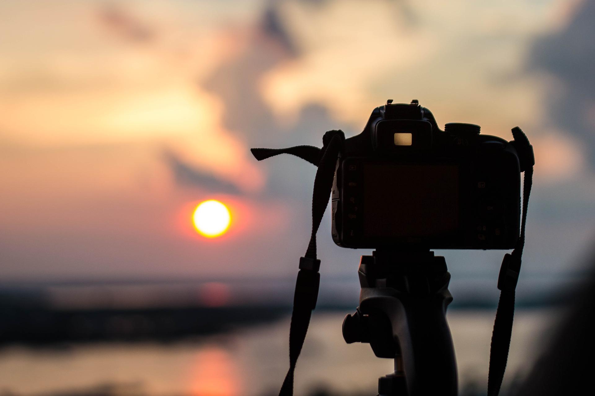 出門在外,拍照到底用手機還是相機好呢?