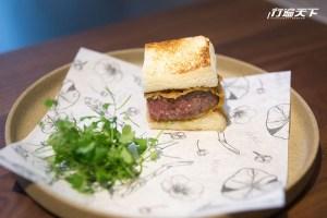 長谷川在佑主廚和Richie主廚共同創作日本和牛料理,第二道料理:日本和牛炸菲力牛排