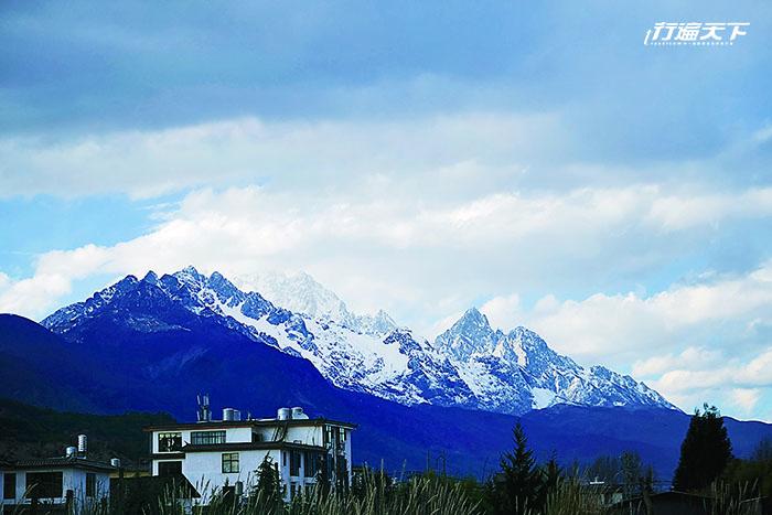 「玉龍雪山」借景在眼前  房間24小時恆溫浴池直接欣賞