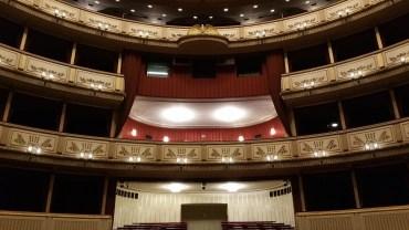 W sobotę teatry wznawiają działalność. Spektakle będą grane tylko dla połowy widowni